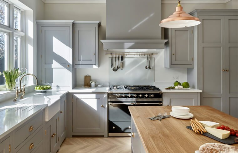 Classical Light Grey Solid Wood Kitchen Cabinets